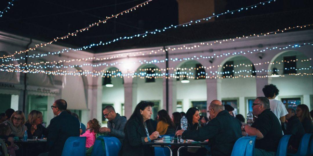 https://www.tumbo.it/piazzetta/wp-content/uploads/2017/10/piazza-annonaria-social-dinner-1080x540.jpg